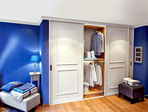 built  wardrobe  sliding doors interior design