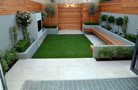 artificialgrass on contemporary modern small garden in