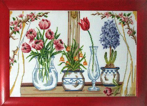 immagini vasi con fiori finestra con vasi di fiori