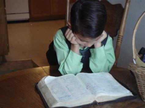 imagenes niños leyendo la biblia fotos de predicando en casa u s a