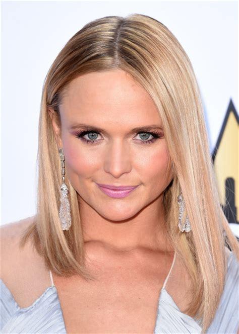Miranda Lambert Hairstyle by Miranda Lambert Asymmetrical Cut Hair Lookbook Stylebistro