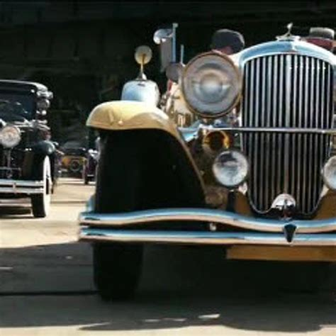 symbols in the great gatsby automobiles the cars of the great gatsby