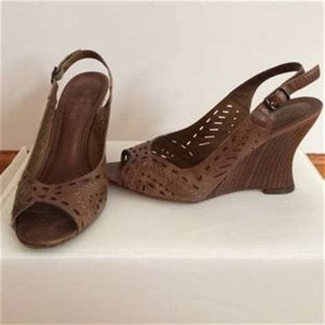 camel colored sandals 63 rogue shoes camel colored wedge sandals from