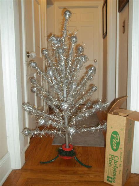 vintage aliminum 4 foot christmas trees vintage aluminum tree 4ft peco mid century mod ebay