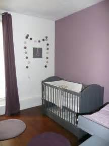 ophrey idee deco chambre bebe taupe et blanc