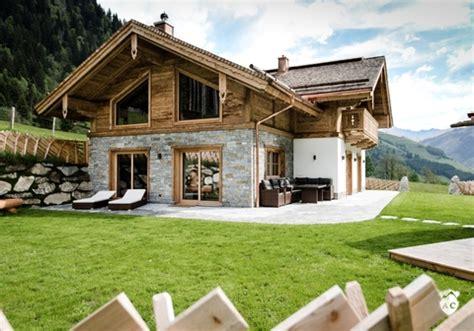 alpen chalet österreich alpen chalets h 252 ttenurlaub in luxus chalets in