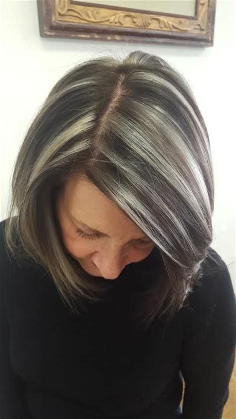 how to grow in gray hair with highlights 25 best ideas about gray hair highlights on pinterest