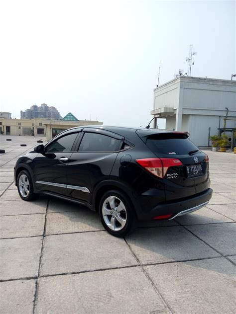 Honda Hrv E Cvt 1 5 hr v honda hrv 1 5 e cvt 2016 hitam mobilbekas