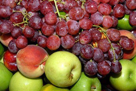 imagenes de uvas y manzanas uvas manzanas y duraznos tvcocina recetas gourmet