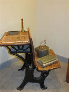 vintage school desk primitive bedroom decor ideas