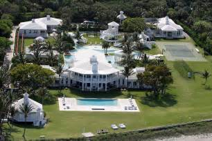 Celine dion puts jupiter island estate on market for 72 5 million