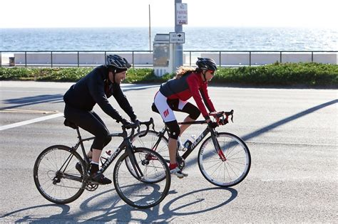 Pch Bike Ride - aaron eckhart goes on a bike ride 4 of 14 zimbio