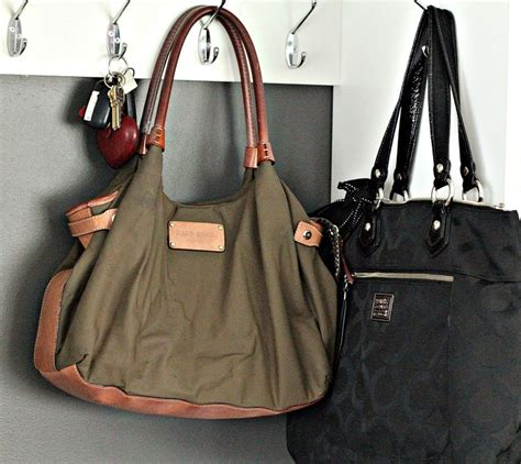 9 Steps To Organize Your Bag by How To Organize Your Bags And Accessories In 6 Easy Steps