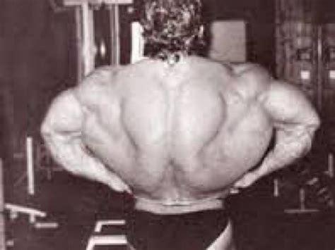 alimentazione per sviluppare i muscoli come sviluppare i muscoli della schiena