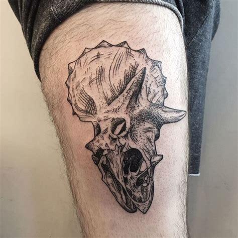 minimalist dinosaur tattoo 33 best dinosaur tattoo designs and ideas tattoobloq