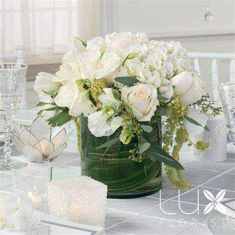 white flower wedding arrangements 579 best white ivory wedding flowers images on
