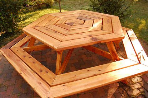 Cedar Patio Table Plans Hexagonal Cedar Picnic Table 187 Mamaliga 187 Expat Living In Chicago