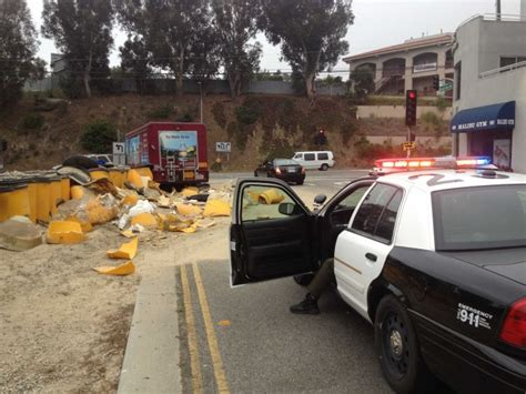 Pch Truck Stop - delivery truck crash delays traffic at kanan dume and pch local news malibutimes com