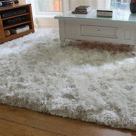 large white fluffy rug shaggy rug rugs ideas