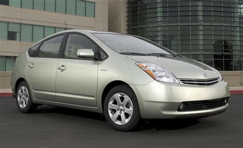 Toyota Prius Review 2008 Car And Driver