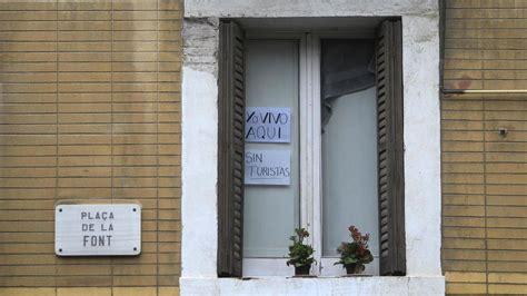 alquiler apartamentos turisticos madrid airbnb madrid prepara una tasa para las viviendas