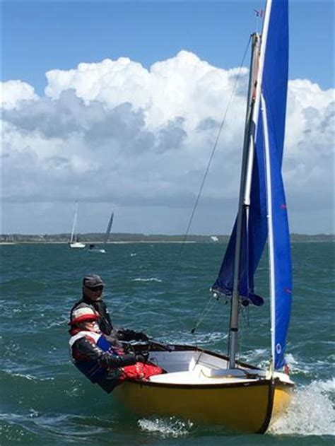 keyhaven scow lymington river scow travellers series round at keyhaven