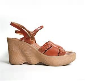 vintage Famolare Wedge Platform Sandals . Hi There . Caramel