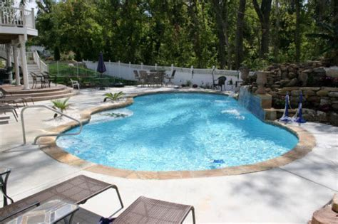 (281) 407 0779   Acrylic Cement Coating Experts In Conroe, TX