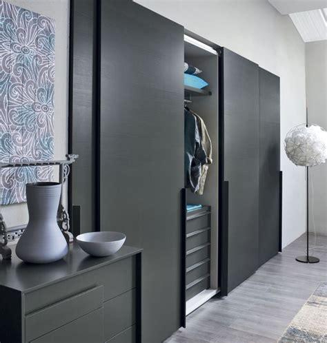 Wardrobe Closet Sliding Door - best 25 sliding wardrobe ideas on white