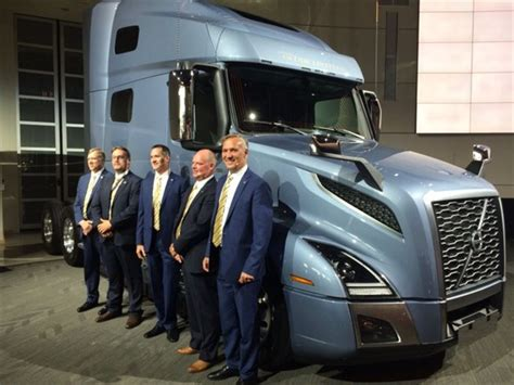 volvo trucks canada prices volvo issues upbeat trucking forecast heading into fall