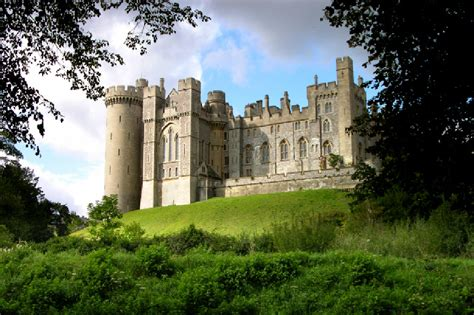 most beautiful english castles 33 beautiful castles to visit in england in pictures