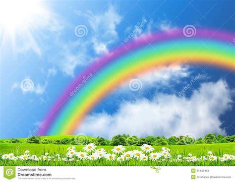 imagenes naturales de arcoiris arco iris en el cielo azul imagen de archivo imagen de