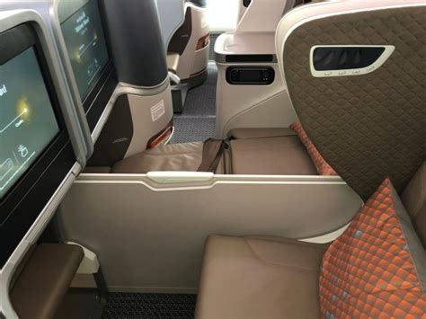 airlines with beds review singapore airlines boeing 787 10 regional business