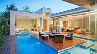 Pool Home This Australian House Has A Pool With An Island And