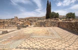 volubilis city roman ruins morocco travelandlook