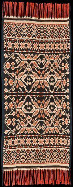 Kain Tenun Batik Troso Blanket Premium Halus traditional ikat from toraja sulewesi indonesia kain tenun toraja textiles indonesia