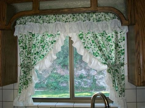 you to see kitchen curtains on craftsy