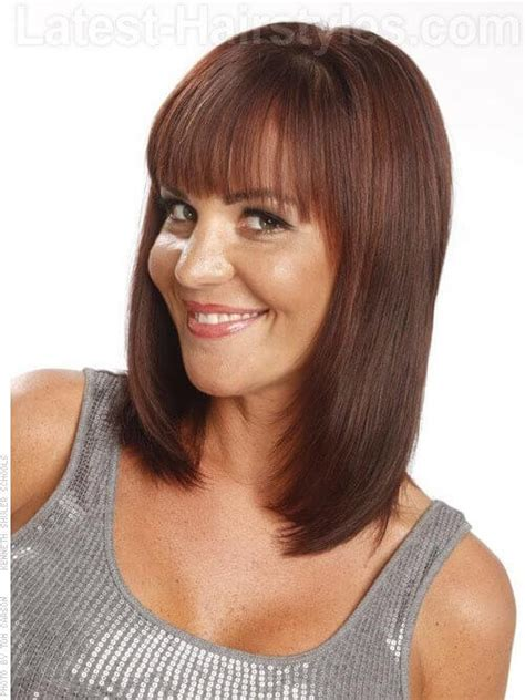 angled layered medium length haircuts 9 sizzling shoulder length hairstyles and haircuts