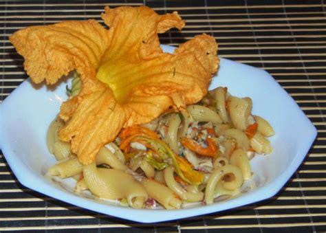 ricette di pasta con fiori di zucca pasta con triglie e fiori di zucca