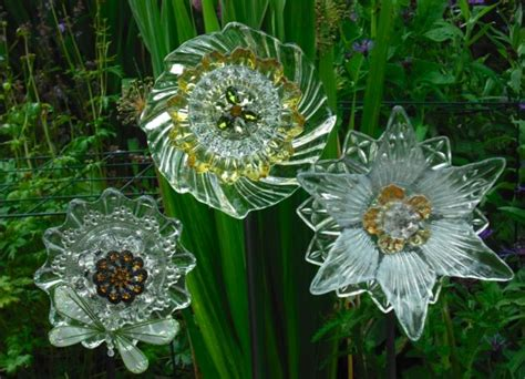 Diy Glass Garden Flowers Pretty Plate Flowers Diy Glass Flowers Garden Flowers Pintere