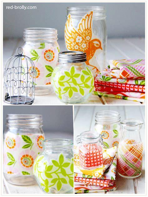 como decorar las tapas de los frascos de mayonesa decorar frascos con tela reciclada el blog de trapillo