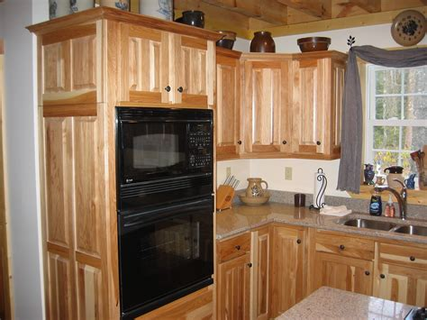 hickory shaker style kitchen cabinets hickory shaker style kitchen cabinets manicinthecity