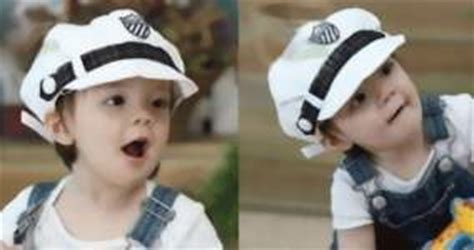 Kupluk Rajut 2 Bola Topi Bayi jual topi bayi laki laki model keren dan unik