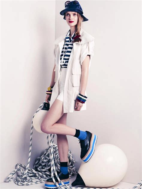 Navy Styles by Trend Report Fashion World Navy Look Le Mood De