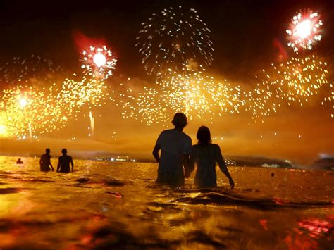 pictures of new year s celebrations around the world