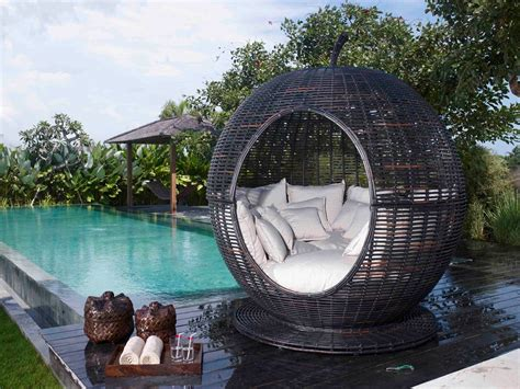 modern outdoor bed designs