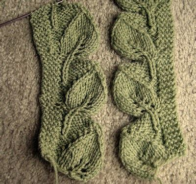 Leaves To Knit For Autumn 16 Free Patterns Grandmother