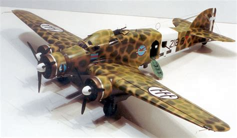 italy s savoia marchetti s m 79 sparviero sparrow medium bomber savoia marchetti sm 79 by eli raphael vintage models 1 48