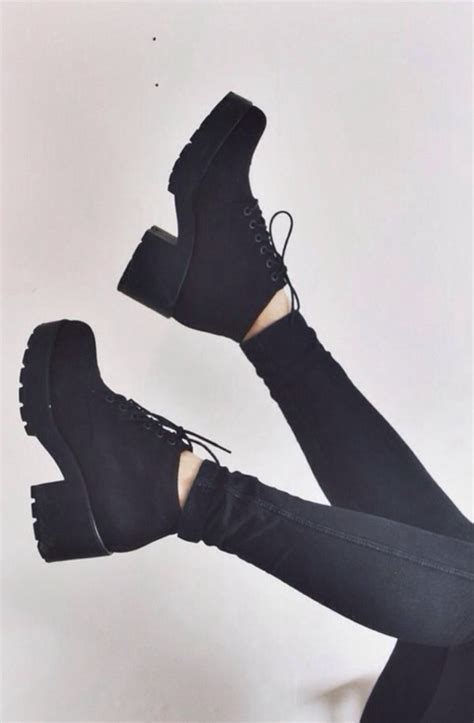 vagabond dioon lace up boot black canvas ankle boots
