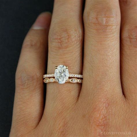 Best 25  Oval engagement rings ideas on Pinterest